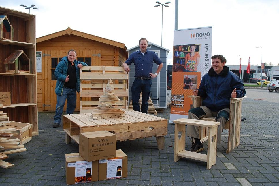 Hoek Planken Gamma.Wijkwebsite Vinkhuizen Gamma Verkoopt Houtbriketten Van Novo